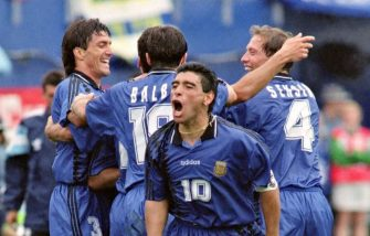 Argentina's World Cup soccer team captain Diego Maradona (C) yells out as he and his teammates celebrate after Argentina scored their second goal in their 21 June 1994 World Cup match against Greece at oxboro Stadium near Boston. Atrear are, from left to right, Jose Chamot, Abel Balbo and Roberto Sensini. (Photo by DANIEL GARCIA / AFP)        (Photo credit should read DANIEL GARCIA/AFP via Getty Images)