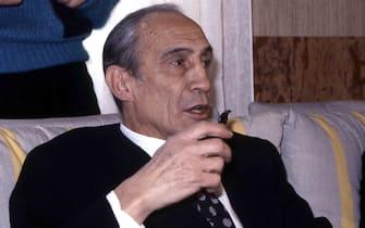 Un'immagine di archivio di Enzo Bearzot.Enzo Bearzot è morto a Milano, nella sua casa in zona Vigentina. Secondo quanto si è appreso l'ex commissario tecnico della nazionale di calcio campione del mondo nell'82 era gravemente malato. Da quanto si è appreso la famiglia ha deciso di mantenere il più stretto riserbo.ANSA/ARCHIVIO