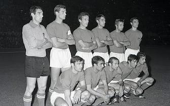 La formazione italiana prima dell'incontro Italia - Jugoslavia durante gli Europei di Calcio a Roma il 10 giugno 1968. ANSA/OLDPIX