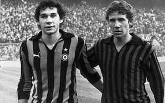 I fratelli Baresi, Franco (D) del Milan e Giuseppe dell'Inter, al termine del derby del 13 novembre 1978. ANSA/ARCHIVIO