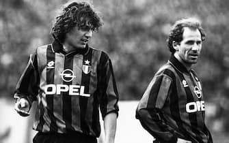 ©lapressearchivio storicosportcalcioMilano 1996Paolo Maldini e Franco Baresinella foto: Paolo Maldini e Franco Baresi.BUSTA 4907