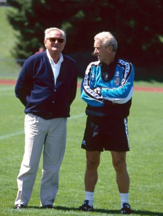 ITALY: Juventus CEO Giampiero Boniperti with trapattoni during pre season camp on 1992 in  Italy. (Photo by Juventus FC - Archive/Juventus FC via Getty Images)