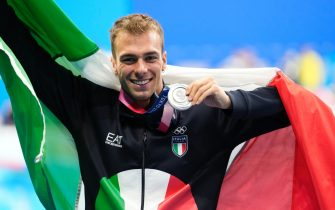 TOKYO, JAPAN - JULY 29:  Silver medalist Gregorio Paltrinieri of Team Italy poses with the silver medal for the Men's 800m Freestyle Final on day six of the Tokyo 2020 Olympic Games at Tokyo Aquatics Centre on July 29, 2021 in Tokyo, Japan. (Photo by Fred Lee/Getty Images)