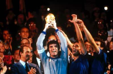 38 anni fa l'Italia vinceva il suo terzo Mondiale. FOTO