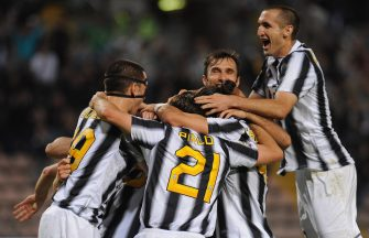 TRIESTE, ITALY - MAY 06:  Players of Juventus FC celebrate after beating Cagliari Calcio 2-0 to win the Serie A Championships during the Serie A match between Cagliari Calcio and Juventus FC at Stadio Nereo Rocco on May 6, 2012 in Trieste, Italy.  (Photo by Valerio Pennicino/Getty Images)
