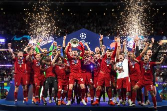 MADRID, SPAIN - JUNE 01: Jordan Henderson of Liverpool lifts the Champions League Trophy after winning the UEFA Champions League Final between Tottenham Hotspur and Liverpool at Estadio Wanda Metropolitano on June 01, 2019 in Madrid, Spain. (Photo by Michael Regan/Getty Images)