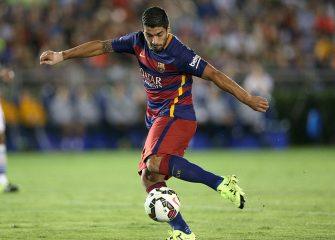 PASADENA, CA - JULY 21: Luis Suarez #9 of FC Barcelona in action against the Los Angeles Galaxy in the International Champions Cup 2015 at Rose Bowl on July 21, 2015 in Pasadena, California.  (Photo by Stephen Dunn/Getty Images)