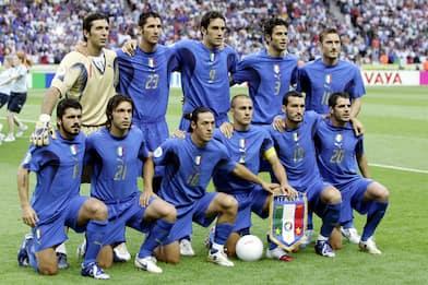 Calcio, la maglia azzurra compie 110 anni: la storia della casacca
