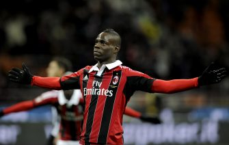MILAN, ITALY - FEBRUARY 03:  Mario Balotelli of AC Milan celebrates after scoring his second goal from the penalty spot during the Serie A match between AC Milan and Udinese Calcio at San Siro Stadium on February 3, 2013 in Milan, Italy.  (Photo by Claudio Villa/Getty Images)