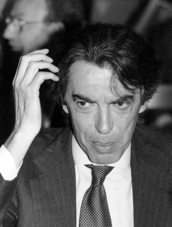 1995Massimo Moratti (Bosco Chiesanuova, 16 maggio 1945) è un imprenditore, dirigente d'azienda e dirigente sportivo italiano; è stato presidente dell'Inter in due periodi diversi (dal 18 febbraio 1995 al 19 gennaio 2004 e dal 6 settembre 2006 al 15 novembre 2013) nonché presidente onorario fino al 23 ottobre 2014. Attualmente ricopre il ruolo di presidente della Saras.nella foto: Moratti Massimo
