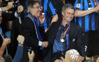 FOOTBALL - UEFA CHAMPIONS LEAGUE 2009/2010 - FINAL - BAYERN MUNCHEN v INTERNAZIONALE - 22/05/2010 - PHOTO FRANCK FAUGERE / DPPI - JOY MASSIMO MORATTI (INTER PRESIDENT) / JOSE MOURINHO (INTER COACH)