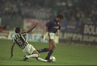 16 May 1990:  Pasquale Bruno (left) of Juventus tackles Renato Buso (right) of Florentina for the ball during the UEFA Cup Final second leg match in Avellino, Italy. The match ended in a 0-0 draw but Juventus won 3-1 on aggregate.  \ Mandatory Credit: Allsport UK /Allsport