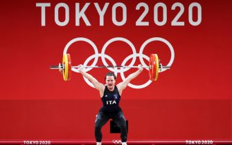 epa09370444 Giorgia Bordignon of Italy competes in the Women's 64kg Group A Snatch competition during the Weightlifting events of the Tokyo 2020 Olympic Games at the Tokyo International Forum in Tokyo, Japan, 27 July 2021.  EPA/FAZRY ISMAIL