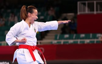 epa09396819 Viviana Bottaro of Italy competes in the elimination round of the women's Kata during the Karate events of the Tokyo 2020 Olympic Games at the Nippon Budokan arena in Tokyo, Japan, 05 August 2021.  EPA/HEDAYATULLAH AMID