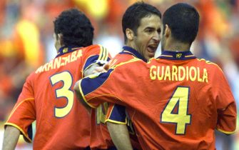 DVAMS104-20000618; AMSTERDAM; NETHERLANDS: Spain's Raul (c) celebrates with team-mates Josep Guardiola (r) and Agustin Aranzabal after he scored the 1-0 lead for his site during the Euro 2000, Group C soccer championships match Slovenia vs Spain in Amsterdam, Sunday, 18 June, 2000.  EPA PHOTO/EPA/TIAGO PETINGA    (ELECTRONIC IMAGE)