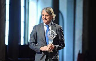 Inter's Italian head coach Roberto Mancini poses during the ''Hall of Fame of Italian soccer'' award ceremony in Florence, Italy, 22 February 2016. ANSA/ MAURIZIO DEGL'INNOCENTI