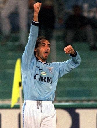 Roberto Mancini in campo con la Lazio