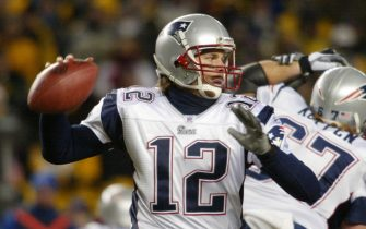 New England Quarterback Tom Brady throw for two touchdowns and 207 yards against the Pittsburgh Steelers in the AFC Championship game, at Heinz Field in Pittsburgh Pennsylvania, on  January 23, 2005. The Patriots defeated the Steelers 41 to 27.            (UPI Photo/Stephen M. Gross)