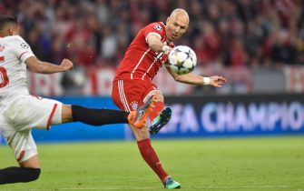 MUNICH, GERMANY - APRIL 11: Arjen Robben of Bayern Muenchen takes a shot on goal during UEFA Champions League Quarter Final Second Leg match between Bayern Muenchen and Sevilla FC at Allianz Arena on April 11, 2018 in Munich, Germany. (Photo by Lukasz Laskowski/PressFocus/MB Media/Getty Images)