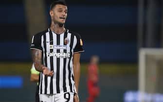 Il centravanti Gianluca Scamacca con la maglia dell'Ascoli