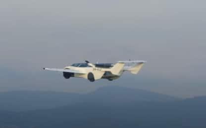La prima auto volante è realtà, ecco il modello AirCar. VIDEO