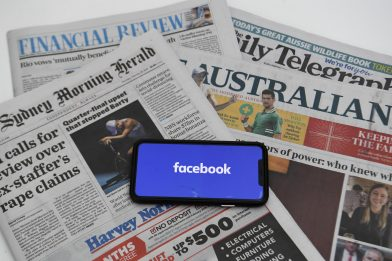 Australia, Facebook si accorda col governo e revoca blocco alle news