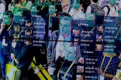 Rischi in Rete, azienda di riconoscimento facciale prende foto dal Web
