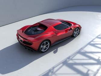 La Ferrari 296GTB, la nuova berlinetta sportiva ibrida di Maranello vista dall'alto
