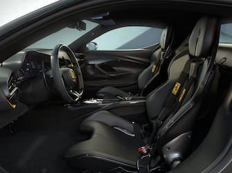 Gli interni della Ferrari 296GTB in Assetto Fiorano