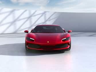 Il frontale della nuova Ferrari 296GTB, la neonata berlinetta sportiva del Cavallino Rampante