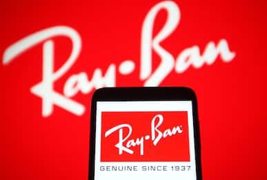 Facebook, svelati gli occhiali smart in collaborazione con Ray-Ban