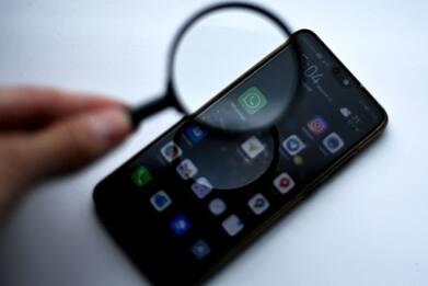 WhatsApp, Instagram e Facebook down: segnalazioni da tutta Italia