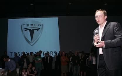 """Musk twitta """"Gli alieni hanno costruito le piramidi"""", scatta polemica"""