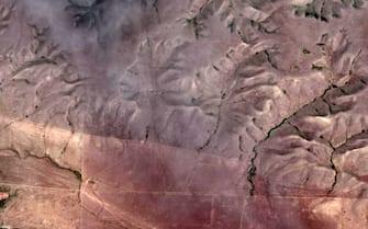 """""""Il guardiano delle Badlands"""", formazione rocciosa nell'Alberta, in Canada, vista da Google Earth"""