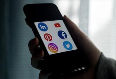 Turchia, passa la legge anti social media: ci sarà un maxi controllore