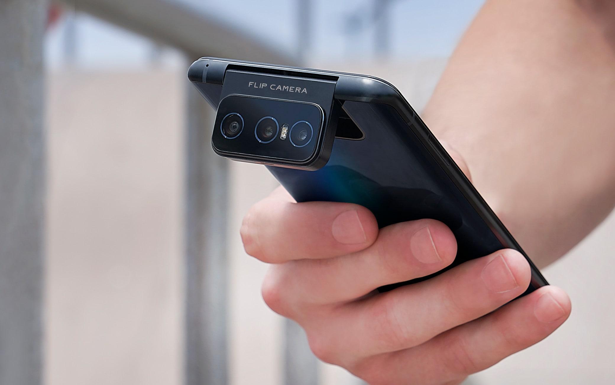 La Flip Camera, vero gioiello dello ZenFone 7 Pro