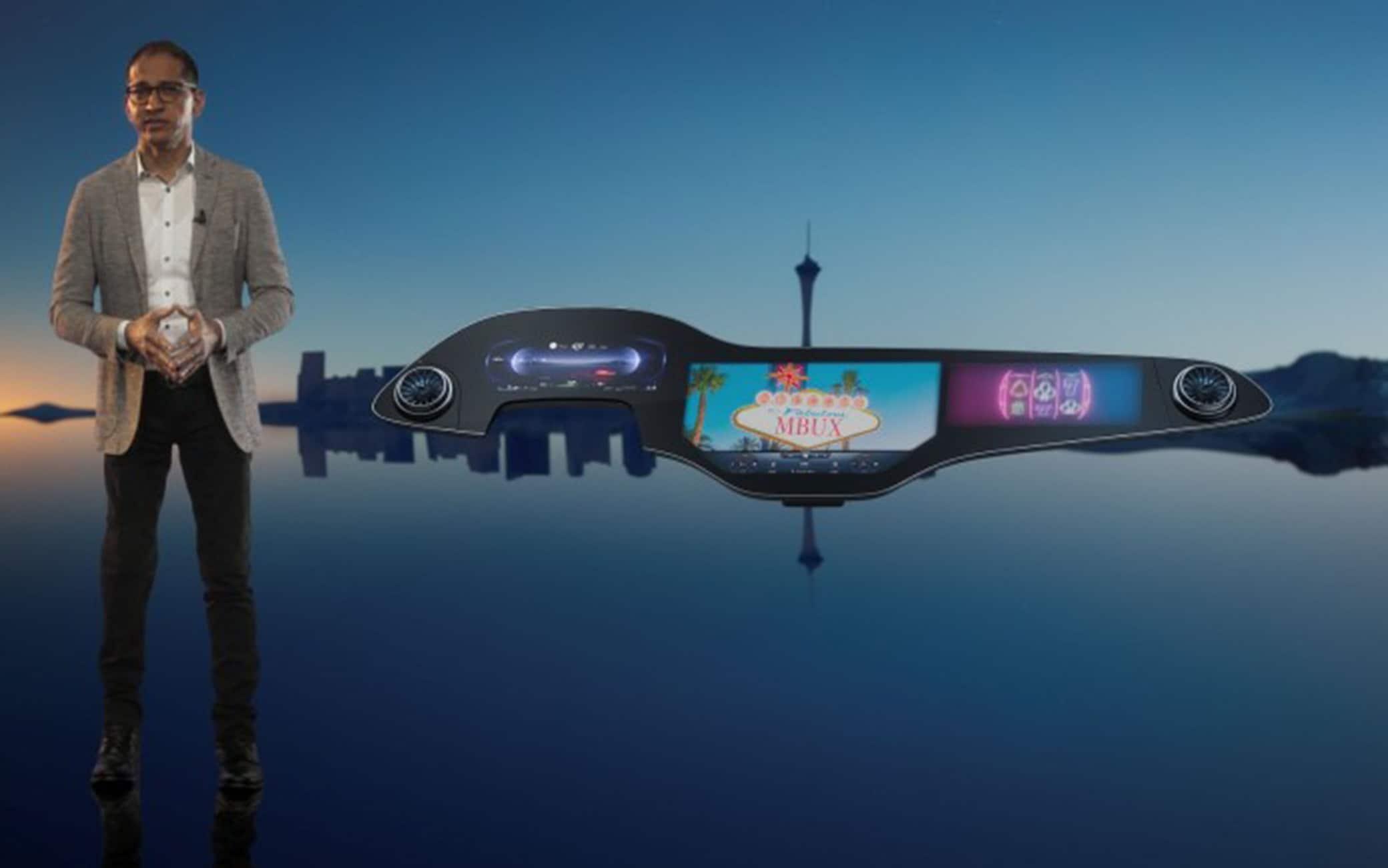 La plancia tech MBUX Hyperscreen di Mercedes