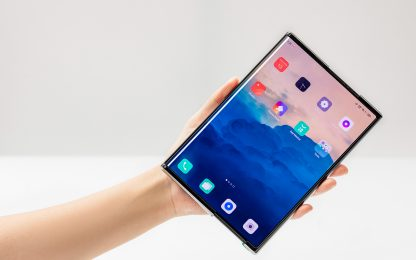 OPPO, abbiamo provato lo smartphone estendibile X 2021