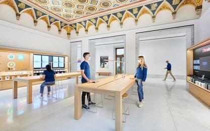 Scalinata, marmi, opere d'arte: apre a Roma Apple Store via del Corso