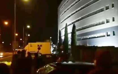 Avigliana, protesta No Tav sotto hotel dove alloggiano forze ordine