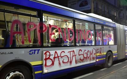 Torino, sgombero palazzina anarchici: su bus minacce ad Appendino