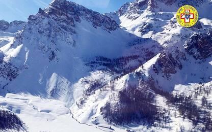 Valanga in Valle Maira, morto l'escursionista travolto
