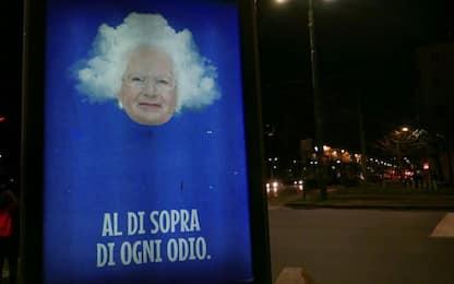 Torino, minacce a Liliana Segre: street artist le dedica un'opera