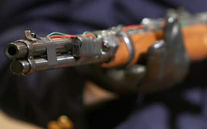 Sciacca, armi e reperti archeologici in due case: indagato