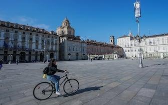 Piazza Castello deserta in una giornata di sole, Torino,10 marzo 2021 ANSA/TINO ROMANO