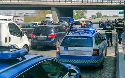 Covid, a Torino ristoratori e partite Iva bloccano la tangenziale
