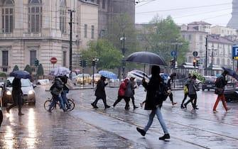 Pioggia e maltempo a Torino, 4 aprile 2019.  ANSA/ ALESSANDRO DI MARCO