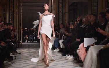 00-asia-argento-debutto-modella-parigi-foto