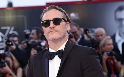 Venezia 2019: Joaquin Phoenix porta Joker sul red carpet