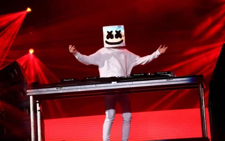 Chi è Marshmello Il Dj Superstar Dall Identità Anonima Sky Tg24
